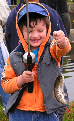 kidsfishingday.jpg