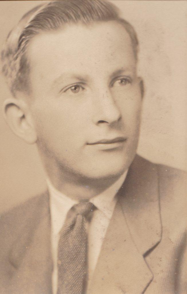 frankwetzelhsgraduation1944