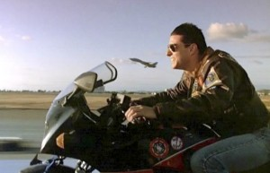 tom_cruise_motorcycle