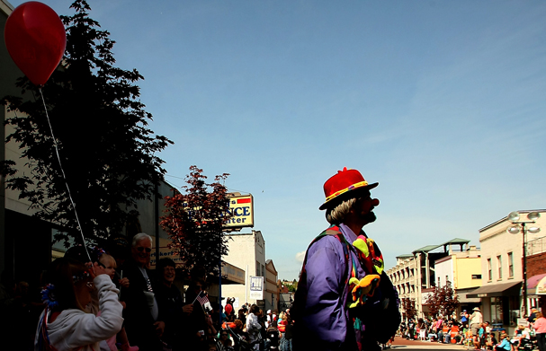 Armed Forces Day Parade in Bremerton May 19, 2012. (MEEGAN M. REID / KITSAP SUN)