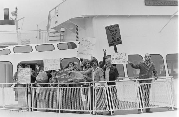 6/02/83 PO Sewer Protesters Steve Zugschwerdt / Bremerton Sun