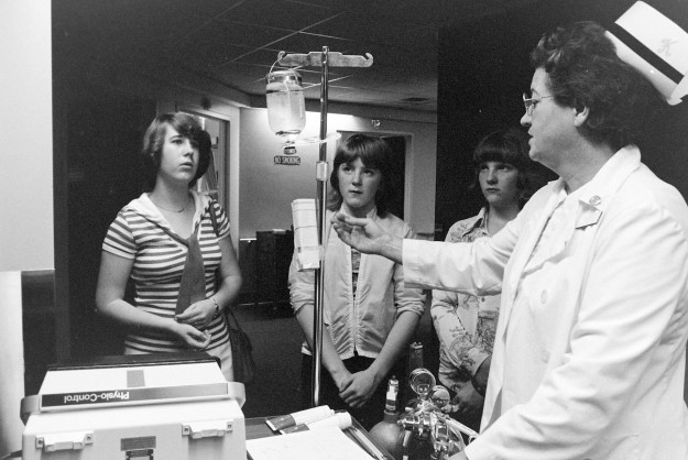 May 19, 1977 Hospital Tour Bremerton Sun