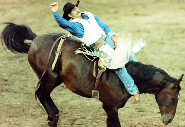 August 28, 1999 Clint Corey Larry Steagall / Kitsap Sun