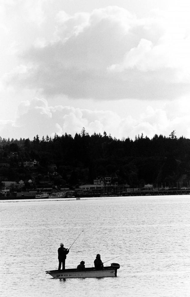 10/06/1984 Fishing Boat Silhouette Larry Steagall / Bremerton Sun