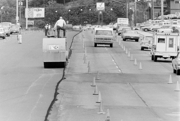 07/24/73 Kitsap Way Paving by Cliff McNair Jr. / Bremerton Sun