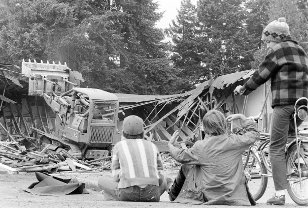 06/06/73 East Port Orchard School Wrecking Cliff McNair Jr. / Bremerton Sun