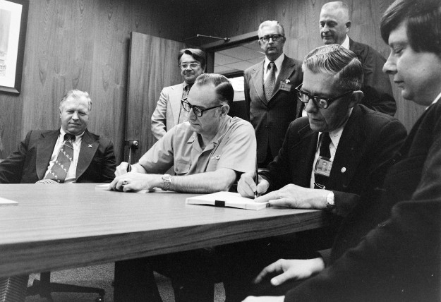 06/07/75 MTC-PSNS Contract