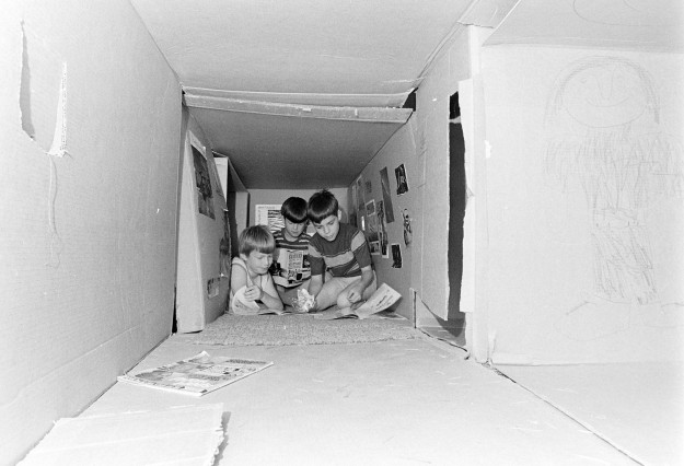 07/12/73 Cardboard Fort Richard Ellis / Bremerton Sun
