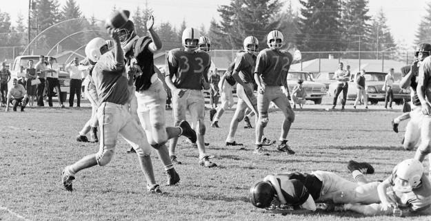 09/29/67 Marcus Whitman Football Richard Ellis / Bremerton Sun