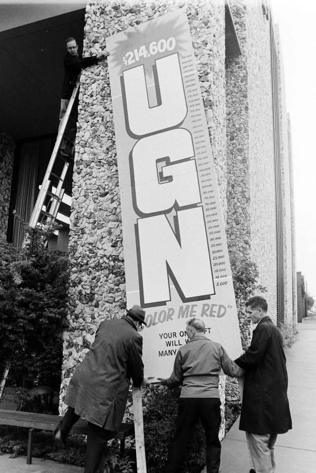 10/06/67 UGN sign Richard Ellis / Bremerton Sun