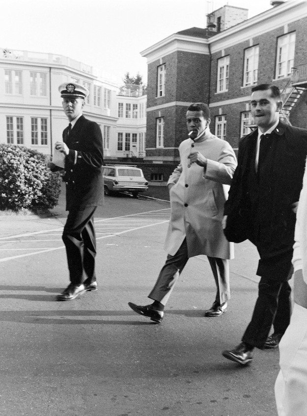 11/17/67 Maury Wills At Naval Hospital Richard Ellis / Bremerton Sun