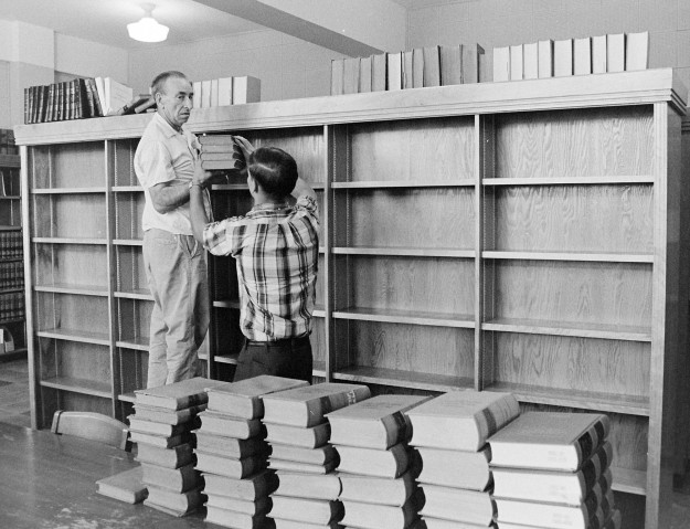 08/15/67 Law books Being Moved