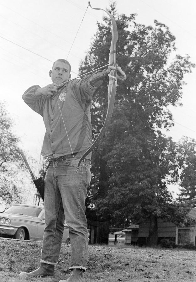11/28/66 Hobbies of Local Men