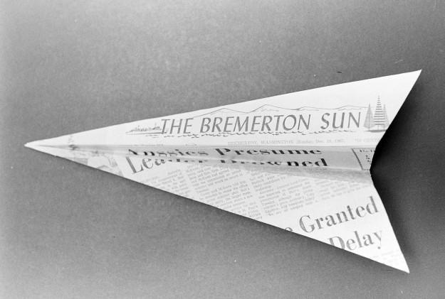 12/19/67 Bremerton Sun Airplane
