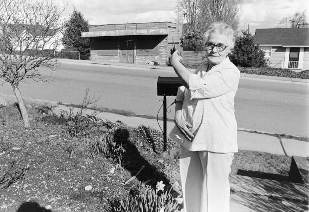 03/20/80 Mrs. Bell Steve Zugschwerdt / Bremerton Sun