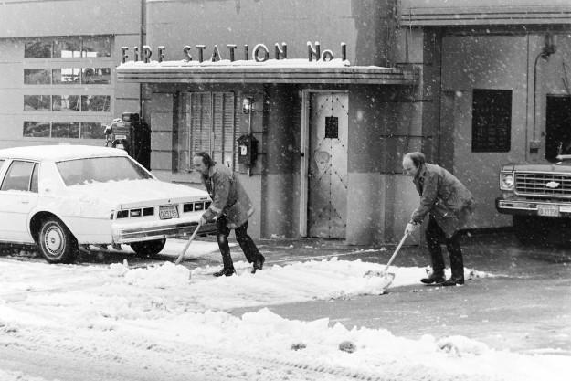 01/08/80 Snow Shots Steve Zugschwerdt / Bremerton Sun
