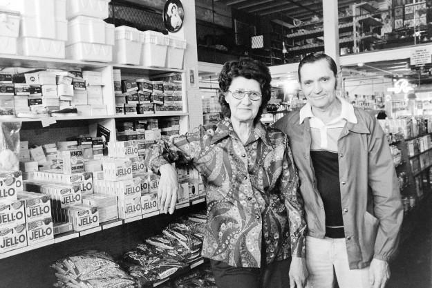 03/01/80 Port Gamble Store Owners Cliff McNair Jr/ Bremerton Sun