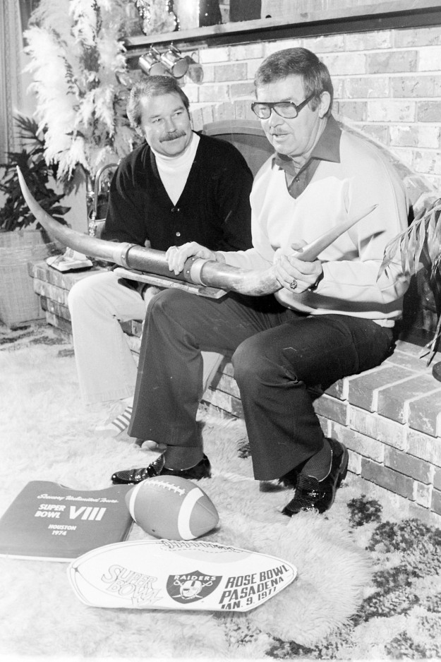 01/12/80 Port Orchard Super Bowl Fans Cliff McNair Jr. / Bremerton Sun