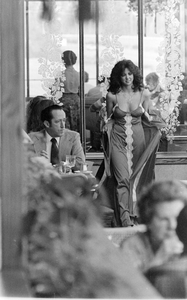 02/11/80 Fashion Show Cliff McNair Jr. / Bremerton Sun