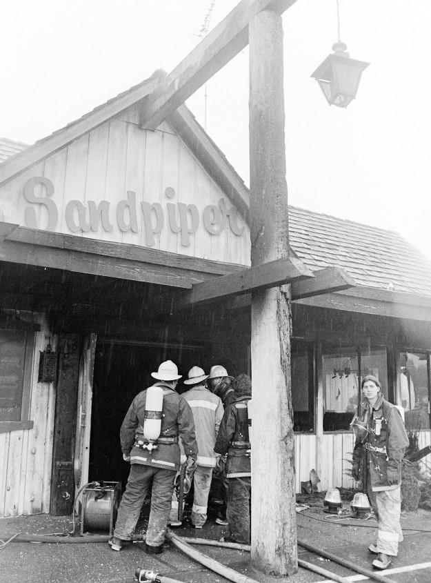 02/17/80 Sandpiper Fire Bob Reeder / Bremerton Sun