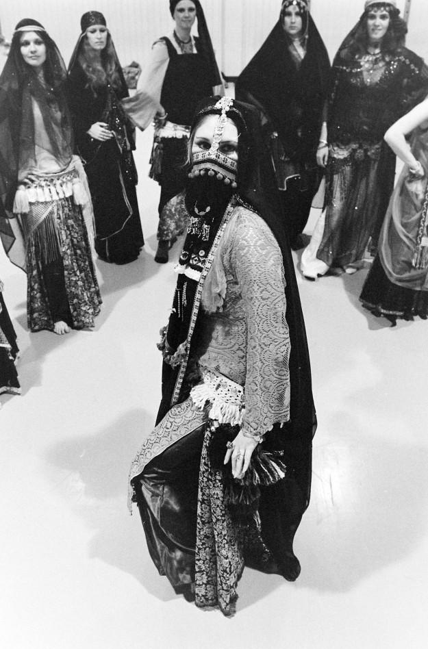 02/21/80 Belly Dancers Steve Zugschwerdt / Bremerton Sun