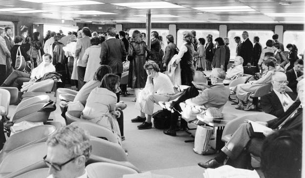 04/30/80 Ferry Commuters Cliff McNair Jr. / Bremerton Sun