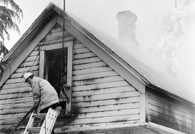 04/30/80 Silverdale House Fire Cliff McNair Jr. / Bremerton Sun