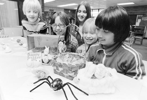 03/24/78 Easter Eggs Ron Ramey / Bremerton Sun