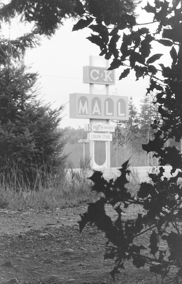 03/30/78 CK Mall Sign Bob Reeder / Bremerton Sun