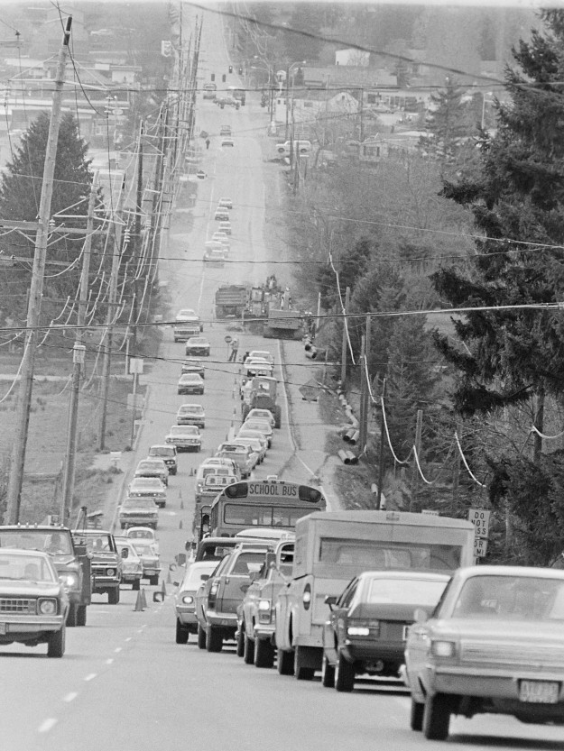 04/16/78 Bucklin Hill Traffic Cliff McNair Jr. / Bremerton Sun