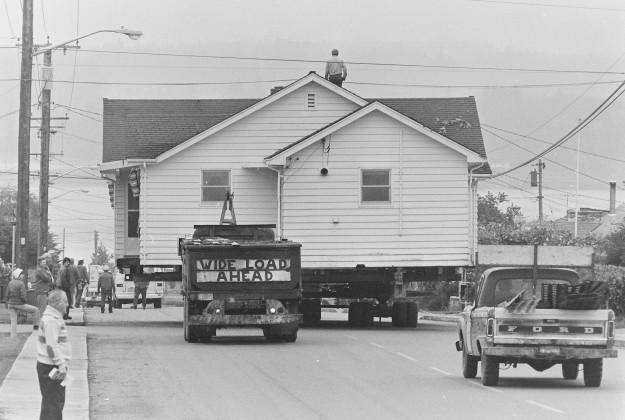 04/27/78 HOuse Moving Ron Ramey / Bremerton Sun