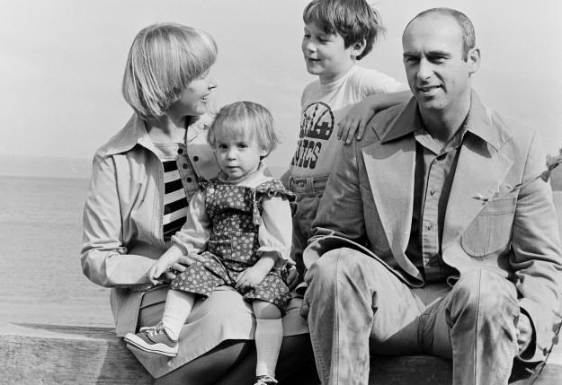 04/29/78 Bond Family Ron Ramey / Bremerton Sun
