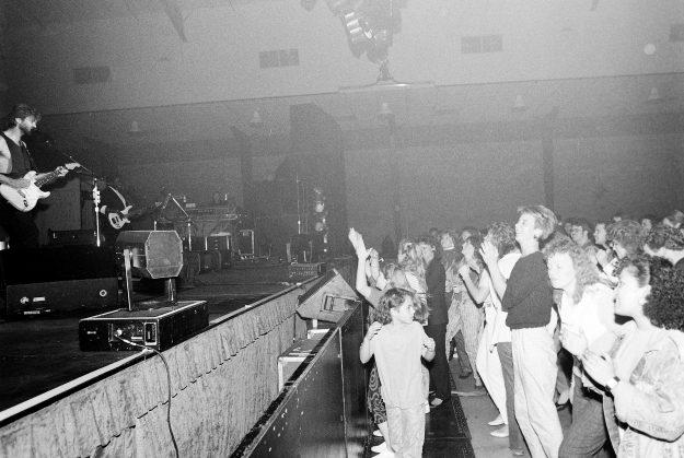 10/19/88 Kenny Loggins Steve Zugschwerdt / Bremerton Sun