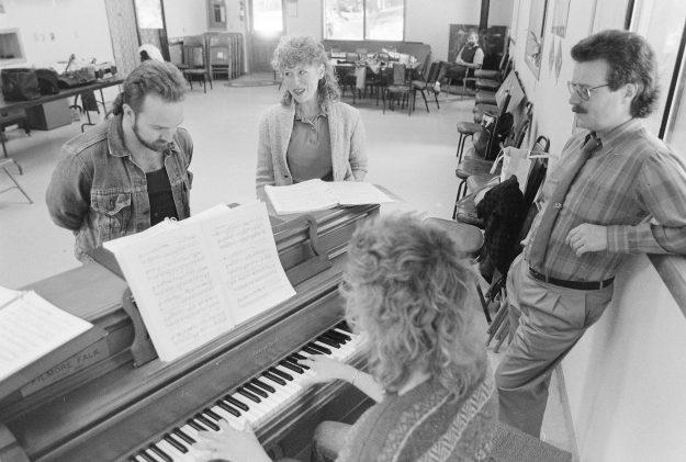 09/19/88 Opera Theresa Aubin Ahrens / Bremerton Sun