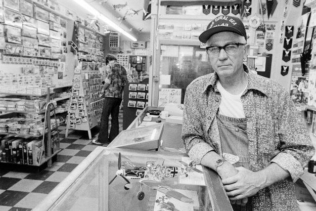 06/29/78 Model Store Owner Bob Reeder / Bremerton Sun