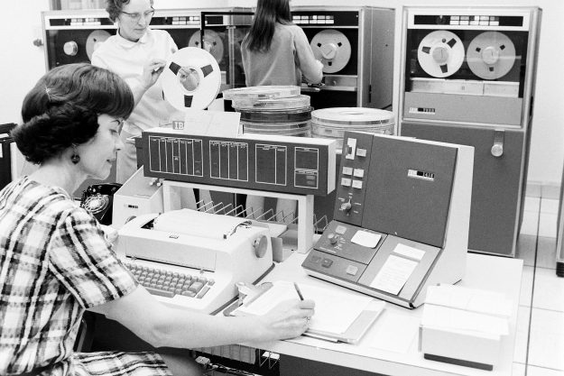 02/13/-69 PSNS Computer Installation