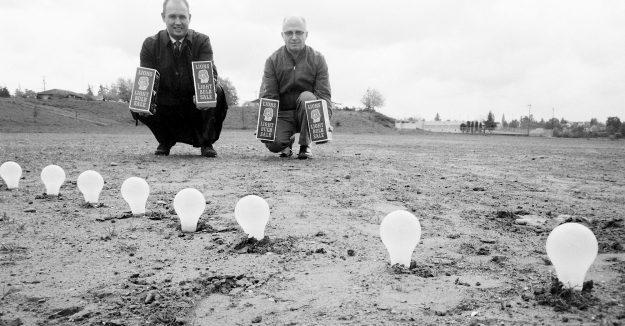 05/02/69 Lions Light Bulb Sale