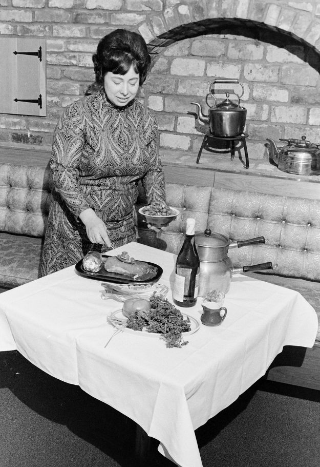 01/23/69 Cook At Copper Kettle
