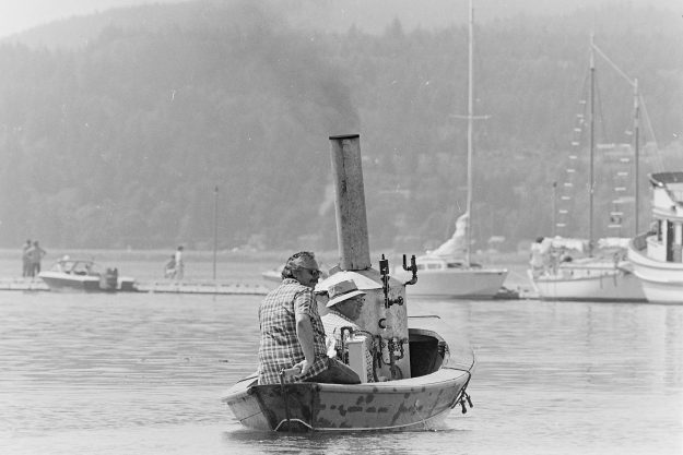 08/16/83 Steam Boat in PO Mike Siegel / Bremerton Sun