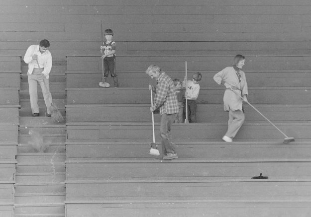 09/28/88 BI Football Stadium Steve Zugschwerdt / Bremerton Sun