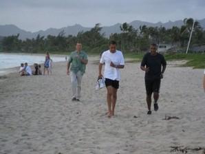 Obama jogs