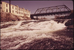David Falconer photo of Spokane River and Spokane Falls, May 1973. EPA photo