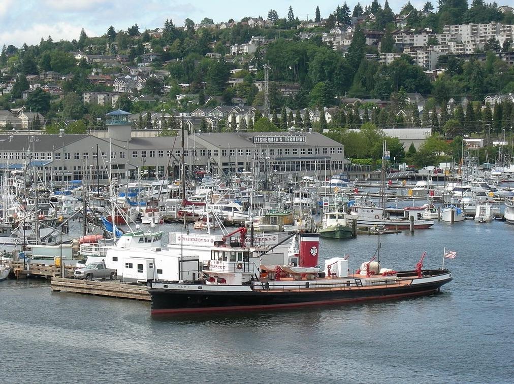 Fishermen's Terminal from the Ballard Bridge, Seattle. Photo: Joe Mabel, Wikimedia Commons